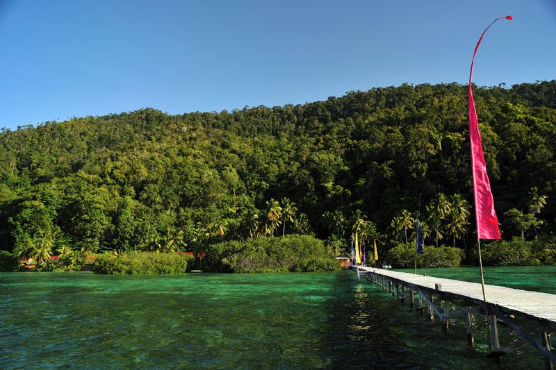 Dermaga Raja Ampat Dive Lodge